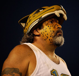 Face-painter here deserves a 10-beer voucher for that Jag arm band tat.